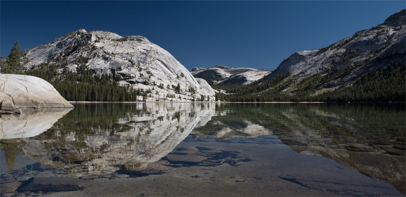 Photo of Tenaya Lake in Yosemite National Park